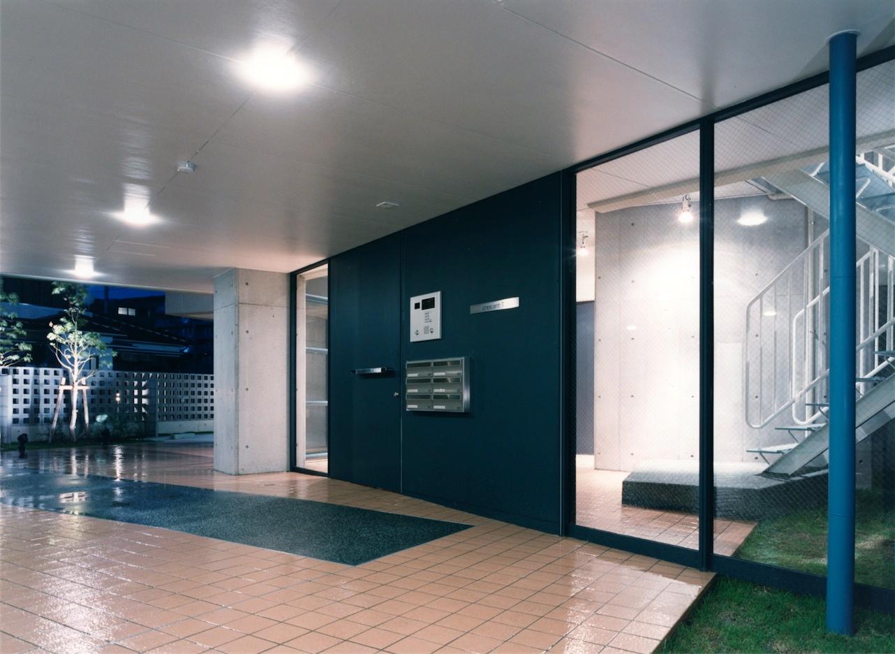 10:エントランス正面玄関