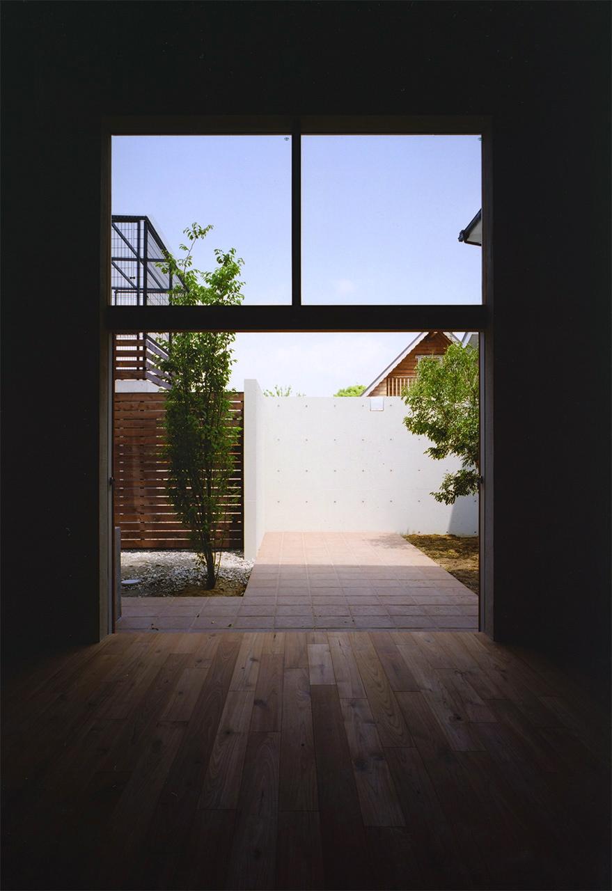 17:スタジオ北側の掃き出し窓