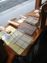 整然と並んだ金網製品