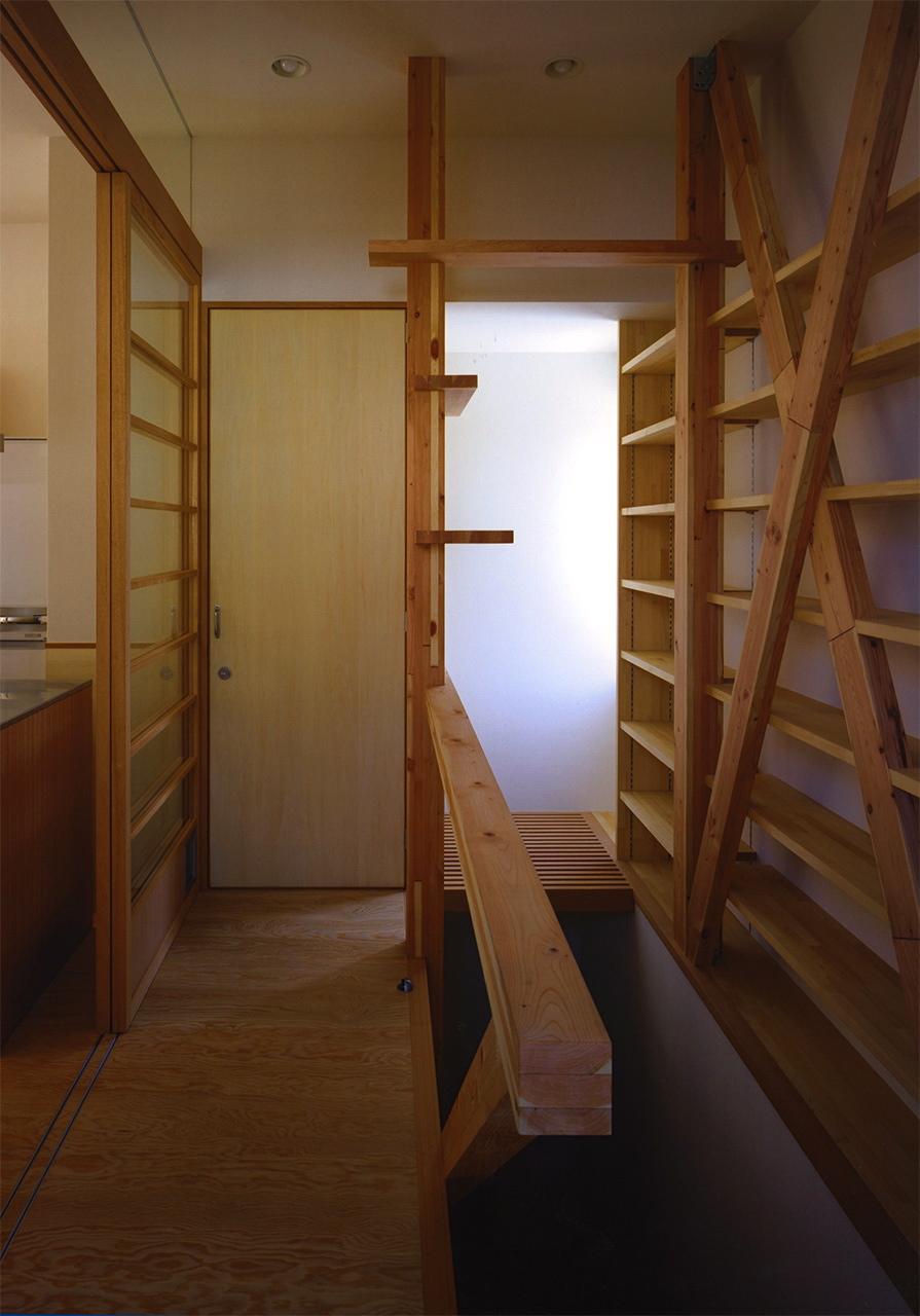20:階段スペース(猫の遊び場)