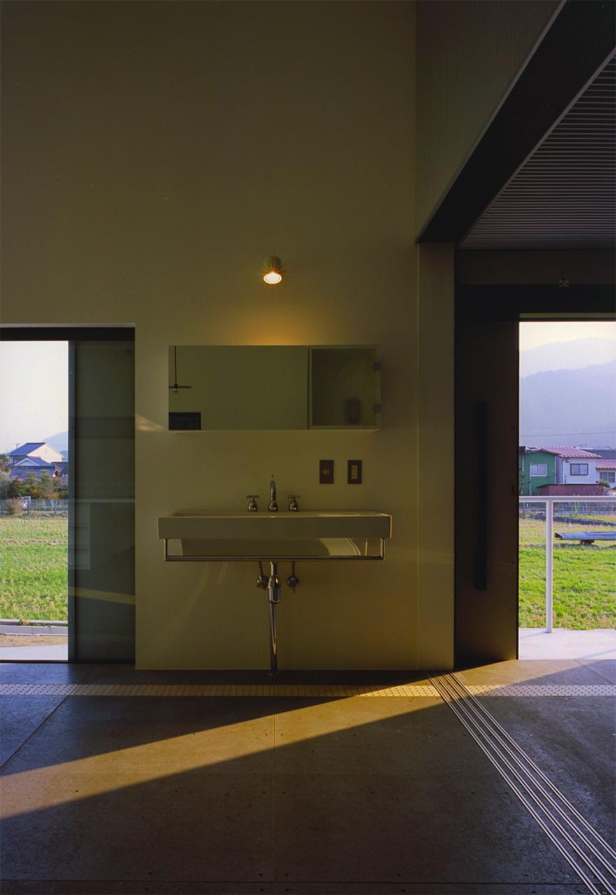 26:リビングの洗面コーナー