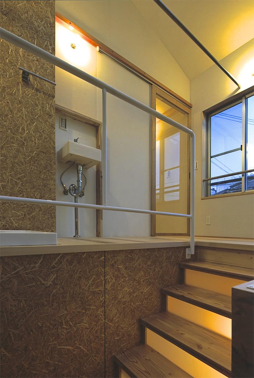 13:階段室